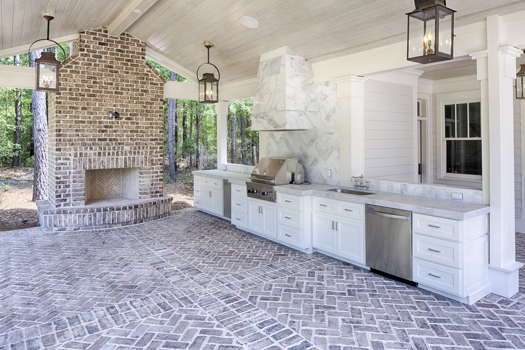 outdoors, outdoor living, kitchen