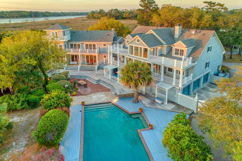 117 Rivers Edge Dr with pool