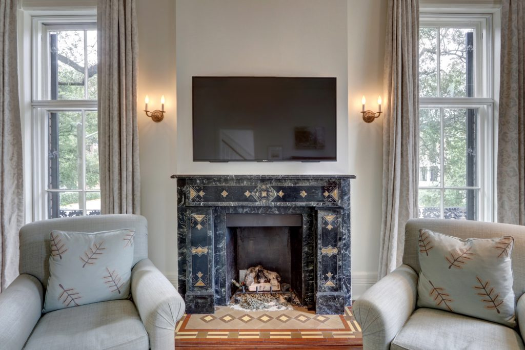 352 Lincoln Fireplace