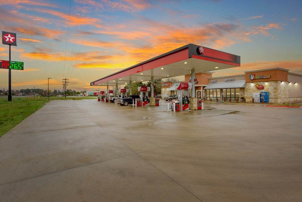 Commercial for Sale at 106 Quarter HorseLoop Paige, Texas 78659 United States
