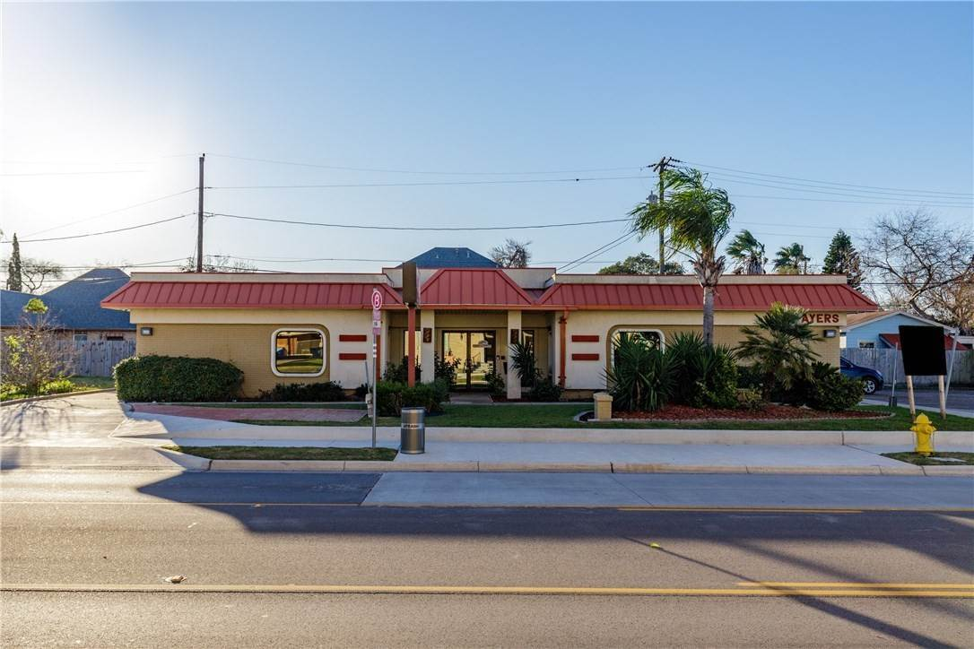 Commercial for Sale at 819 AyersStreet Corpus Christi, Texas 78404 United States