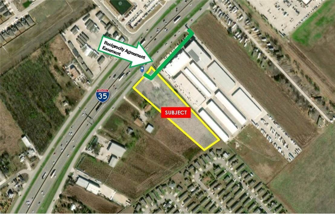 Commercial for Sale at 2050 IH 35 New Braunfels, Texas 78130 United States