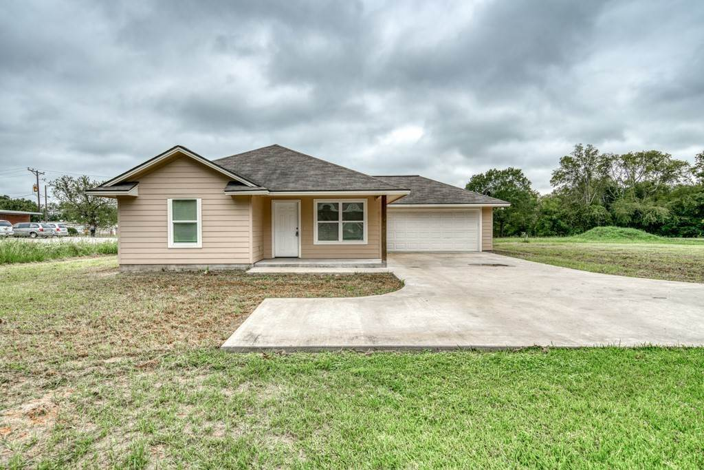 Residential for Sale at 115 South Madisonville, Texas 77864 United States