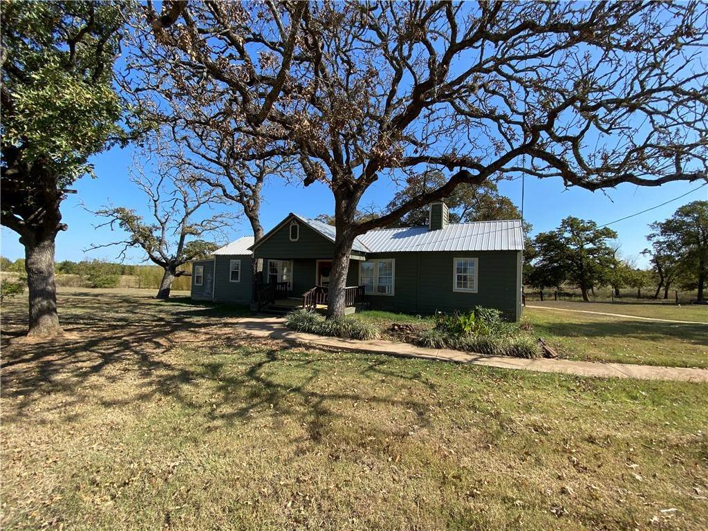 Farm for Sale at 729 KnobbsRoad McDade, Texas 78650 United States