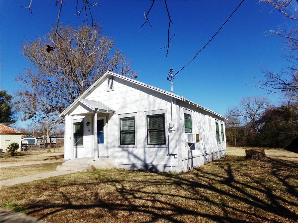 Residential Lease at 501 Avenue FAvenue Elgin, Texas 78621 United States