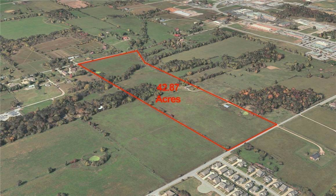 Terreno por un Venta en 42.87 Acres S Dodson Road Rogers, Arkansas 72758 Estados Unidos