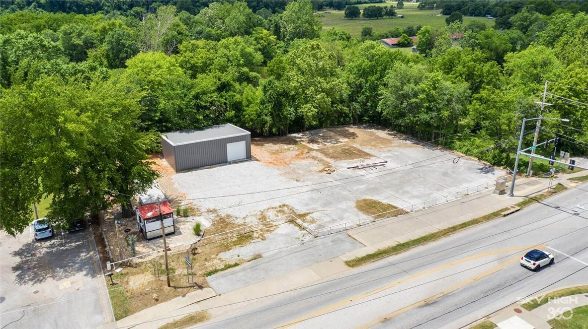Commercial for Sale at 369 S Main Street Cave Springs, Arkansas 72718 United States