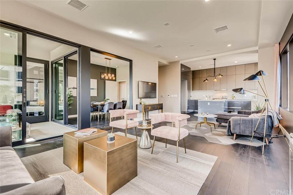 3. Residential for Sale at Cordova Street Pasadena, California 91101 United States
