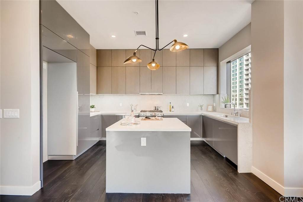 8. Residential for Sale at Cordova Street Pasadena, California 91101 United States