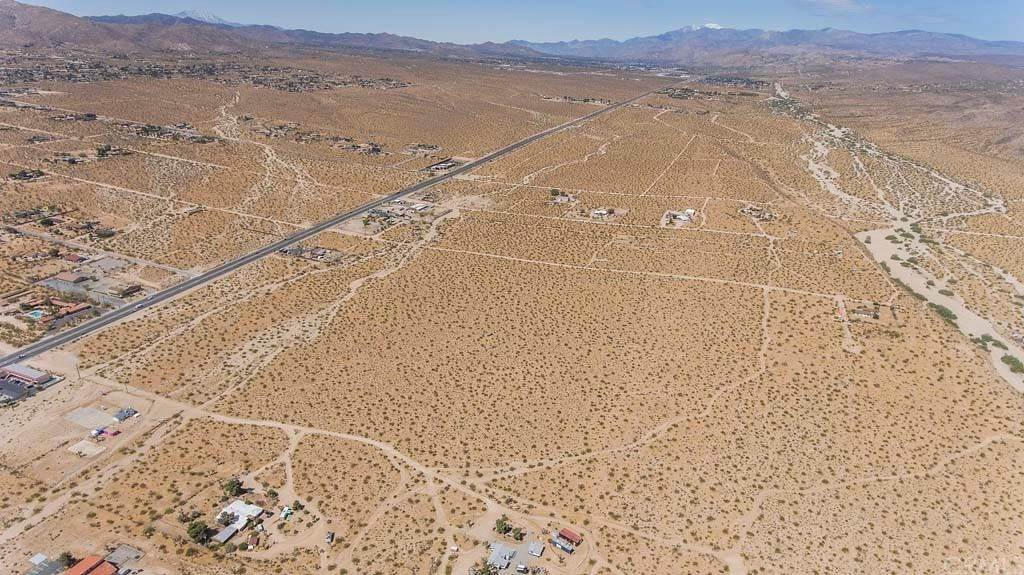 Commercial for Sale at Hwy 62 Joshua Tree, California 92252 United States