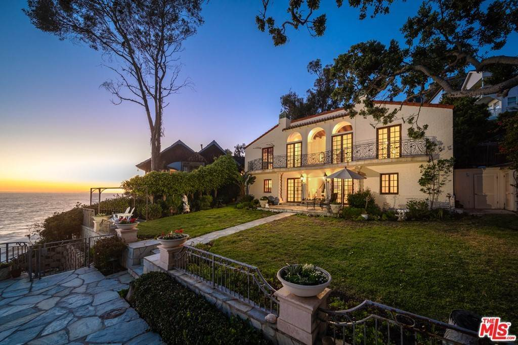 Residential for Sale at Rockledge Road Rockledge Road Laguna Beach, California 92651 United States
