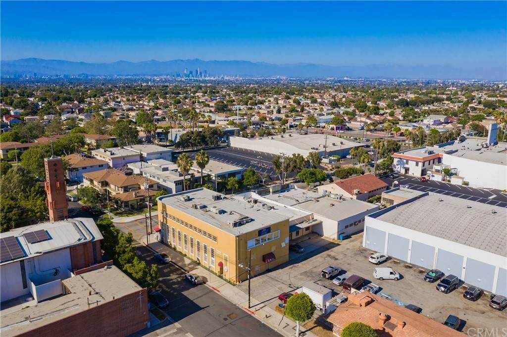 Commercial for Sale at W 85th Street Inglewood, California 90305 United States