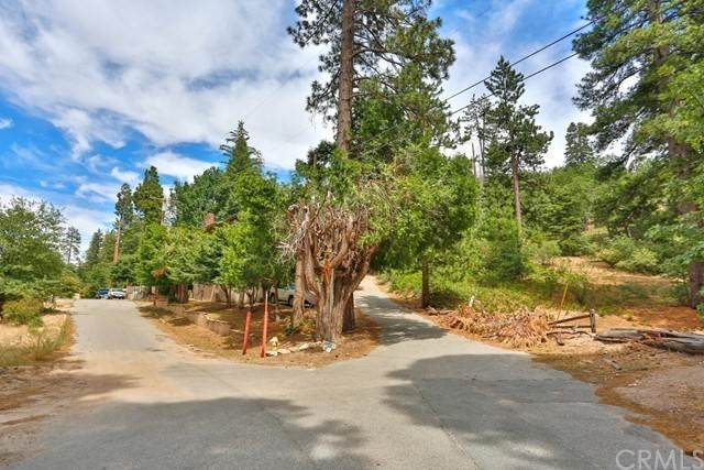 土地,用地 在 Coulter Drive Lake Arrowhead, 加利福尼亚州 92352 美国