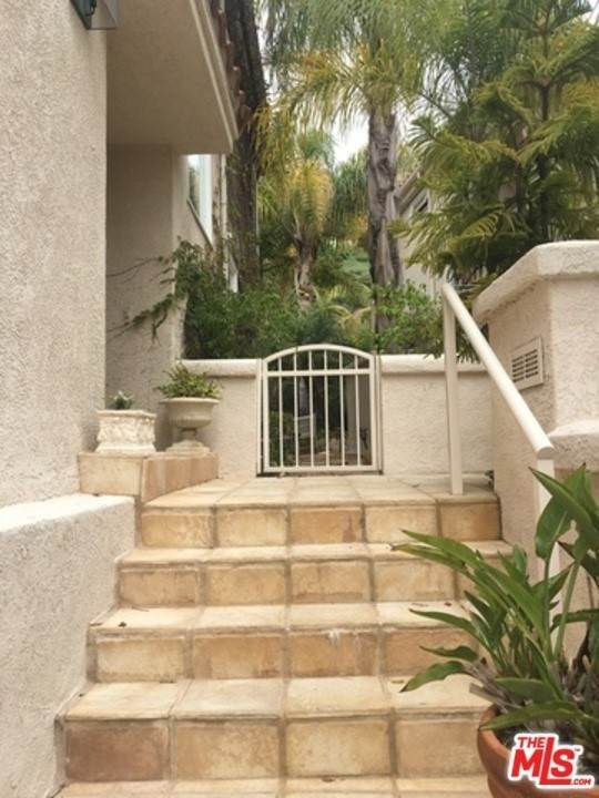 Residential Lease at PALISADES Drive Pacific Palisades, California 90272 United States