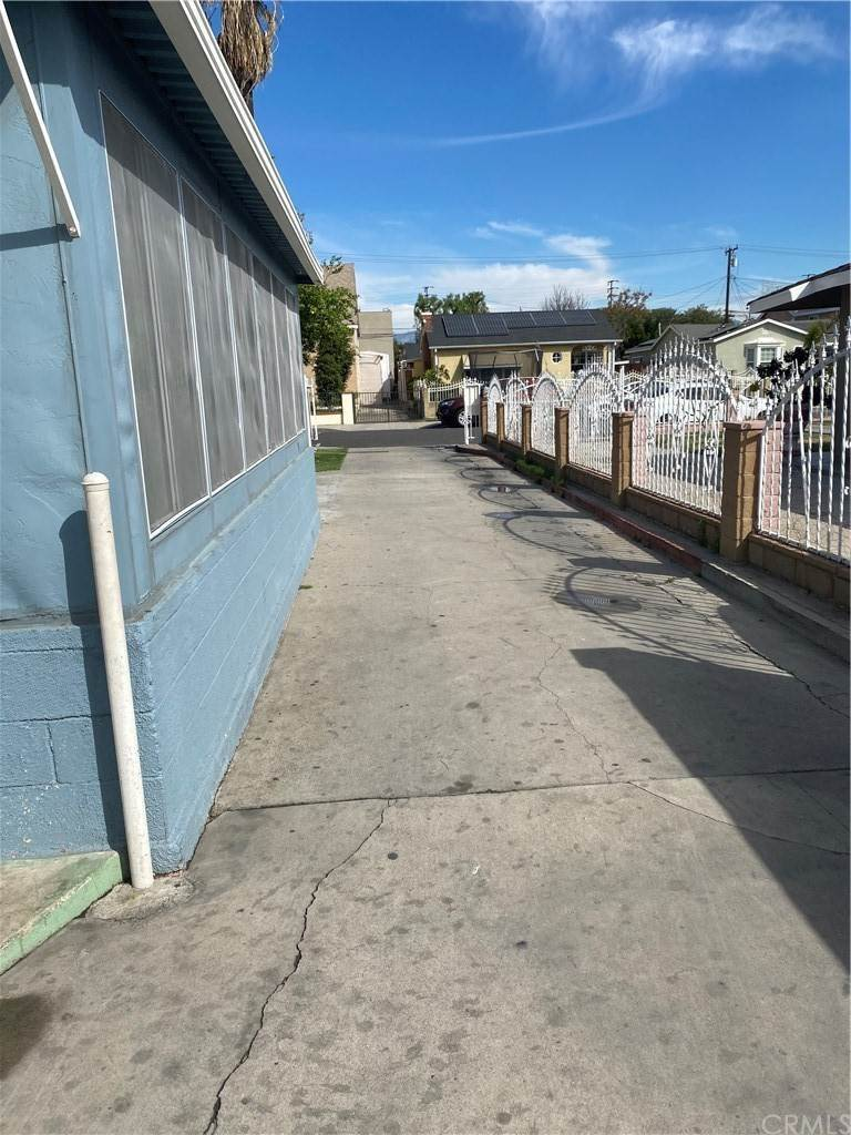 Residential Income for Sale at E 60th Street Maywood, California 90270 United States