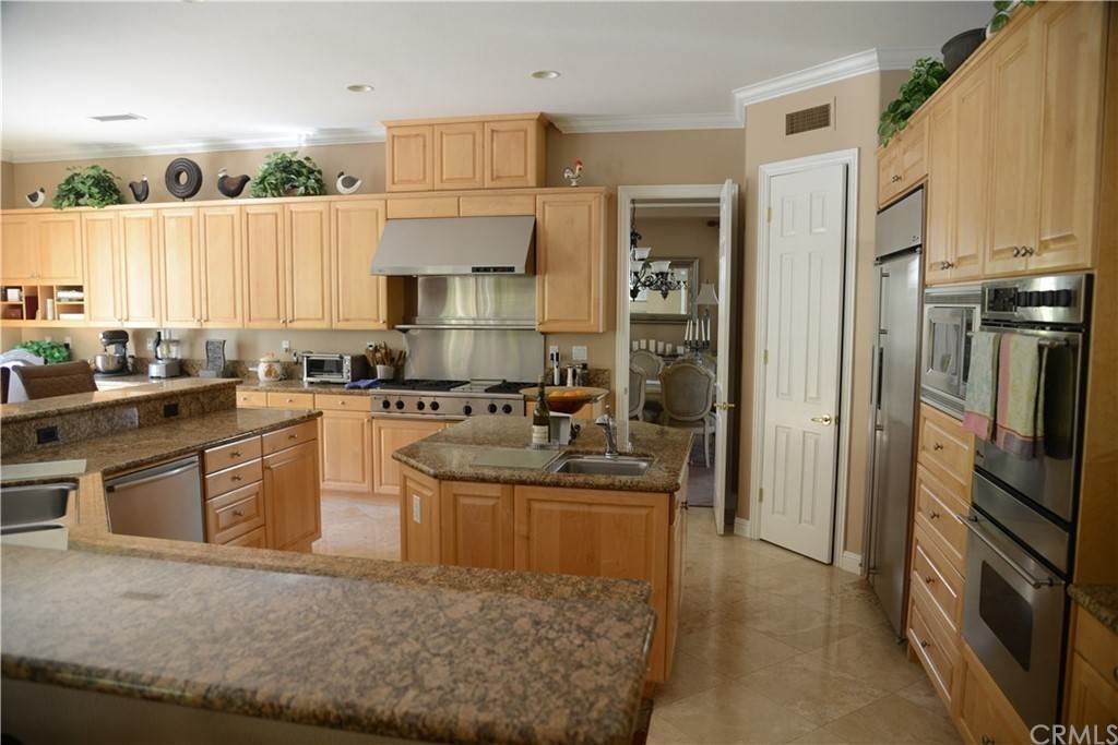 13. Residential for Sale at Knotty Oak Circle Coto De Caza, California 92679 United States