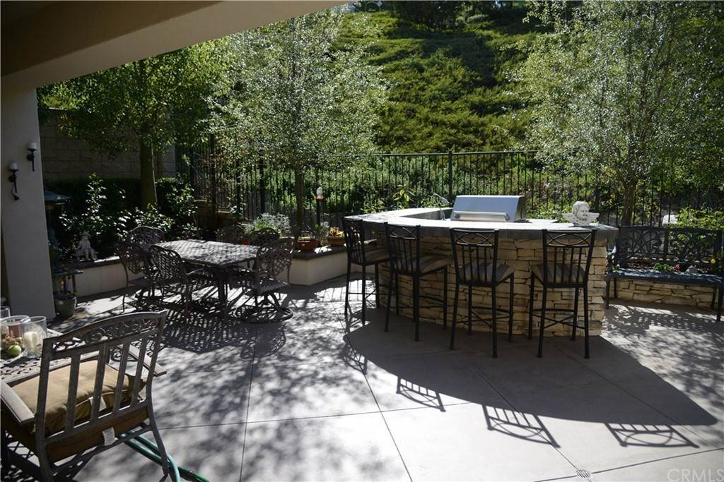 22. Residential for Sale at Knotty Oak Circle Coto De Caza, California 92679 United States