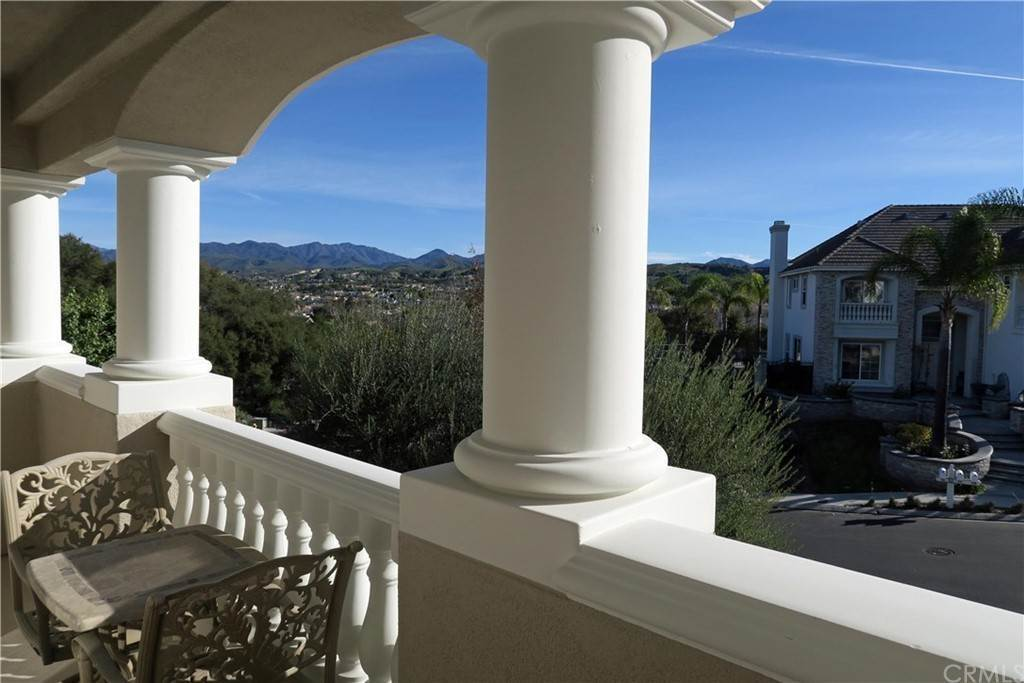 25. Residential for Sale at Knotty Oak Circle Coto De Caza, California 92679 United States
