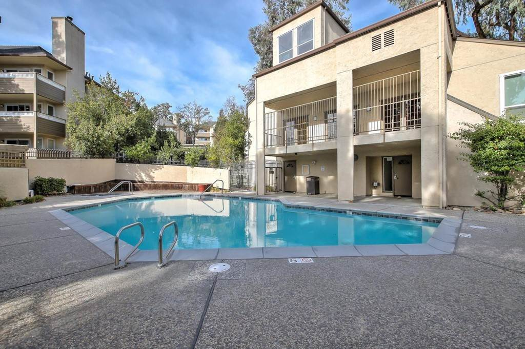 18. Residential for Sale at Vanderbilt Street Hayward, California 94544 United States