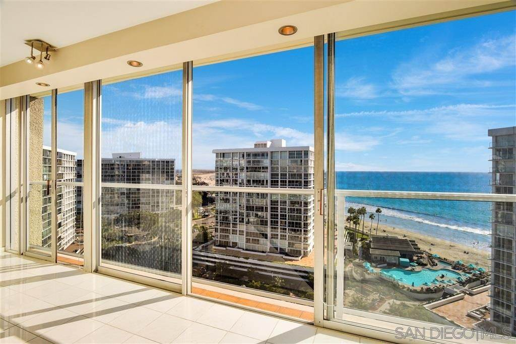 Residential for Sale at Avenida Del Mundo Coronado, California 92118 United States