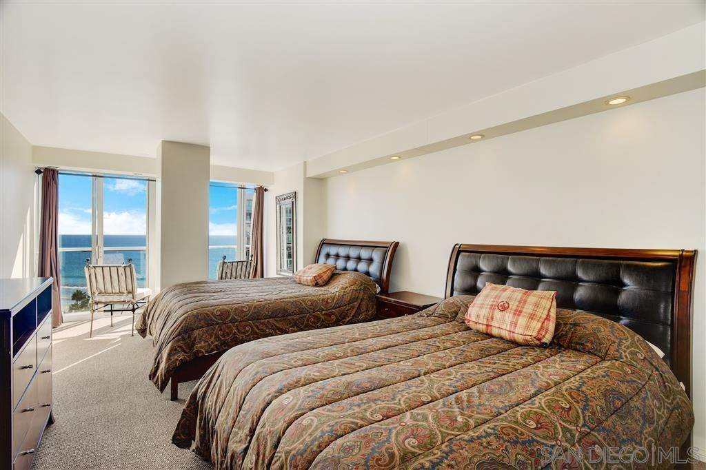 14. Residential for Sale at Avenida Del Mundo Coronado, California 92118 United States