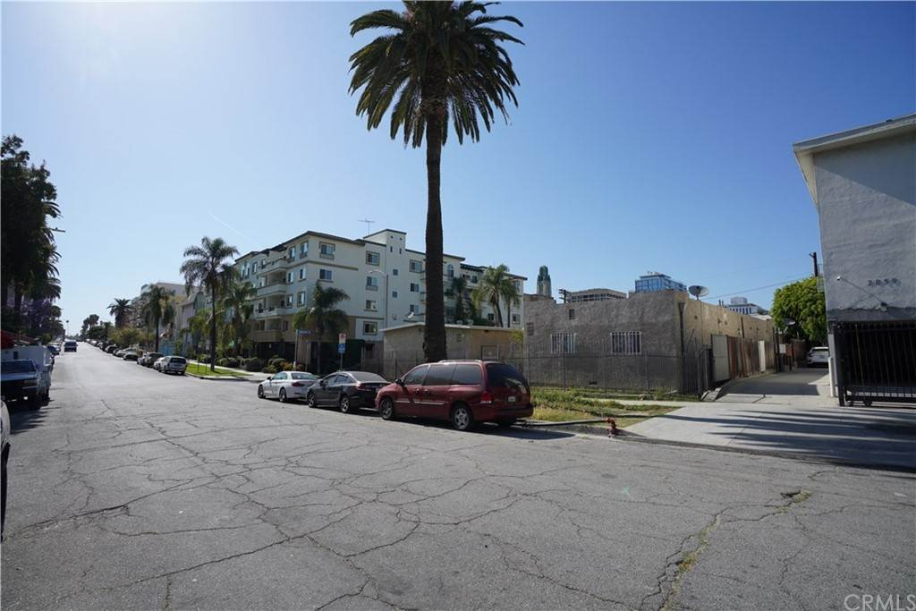 11. Residential Income for Sale at Leeward Avenue Los Angeles, California 90005 United States