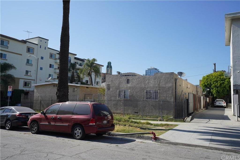 2. Residential Income for Sale at Leeward Avenue Los Angeles, California 90005 United States