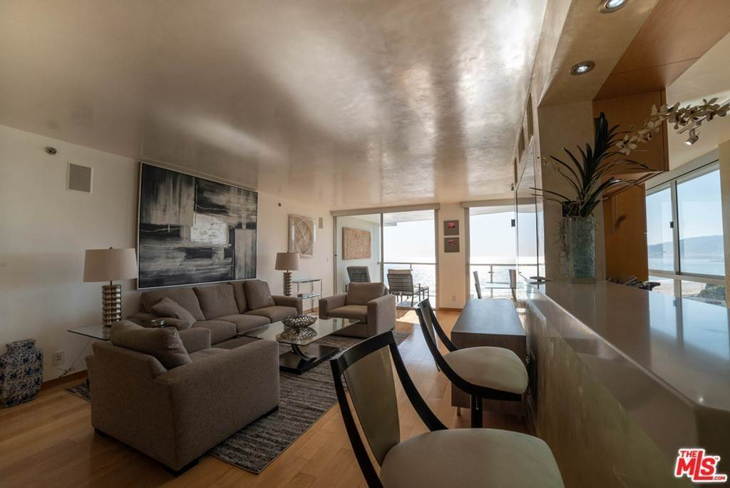 14. Residential Lease for Sale at OCEAN Avenue Santa Monica, California 90402 United States