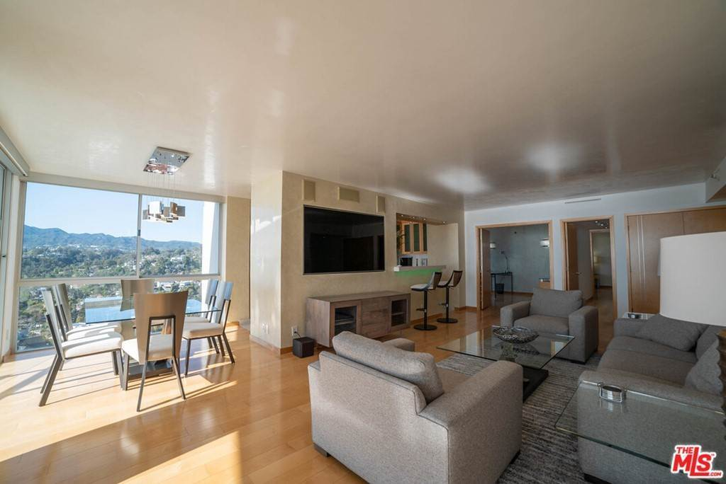 15. Residential Lease for Sale at OCEAN Avenue Santa Monica, California 90402 United States