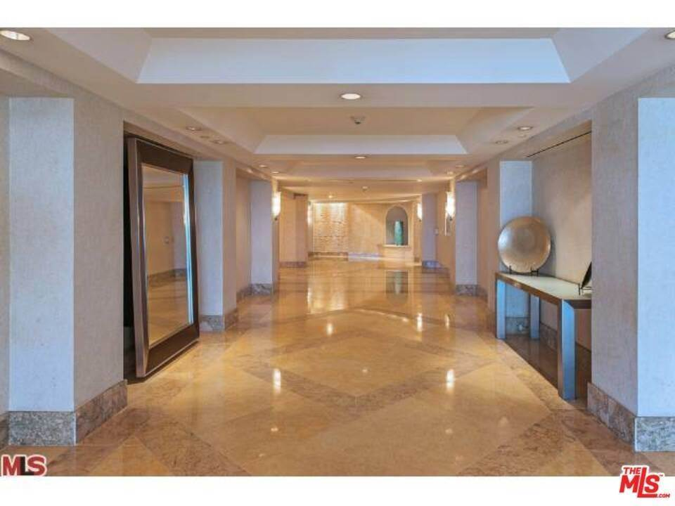 25. Residential Lease for Sale at OCEAN Avenue Santa Monica, California 90402 United States