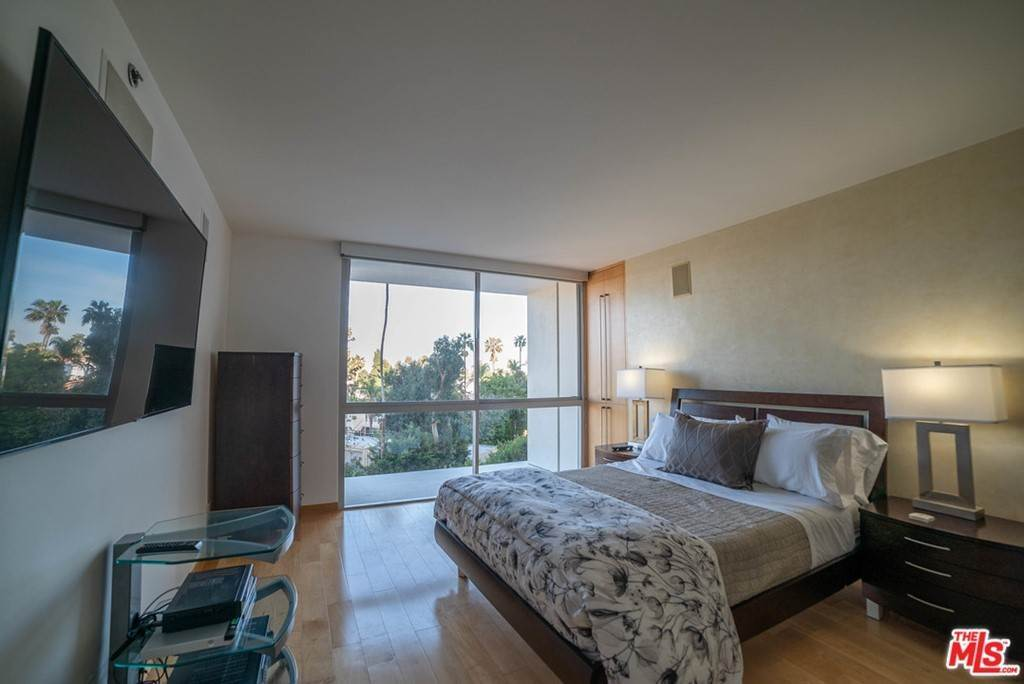 7. Residential Lease for Sale at OCEAN Avenue Santa Monica, California 90402 United States