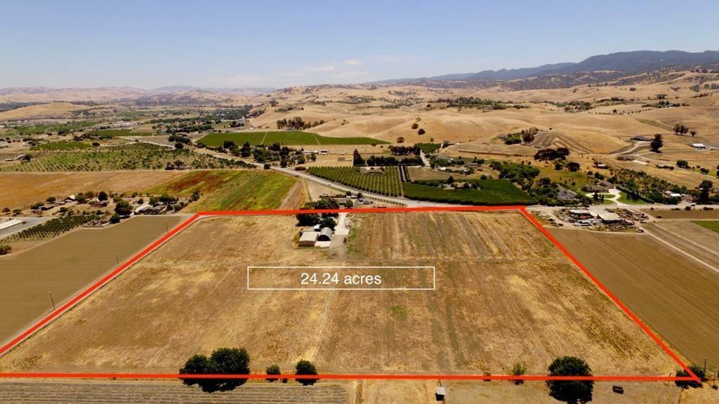 Residential for Sale at Union Road Hollister, California 95023 United States