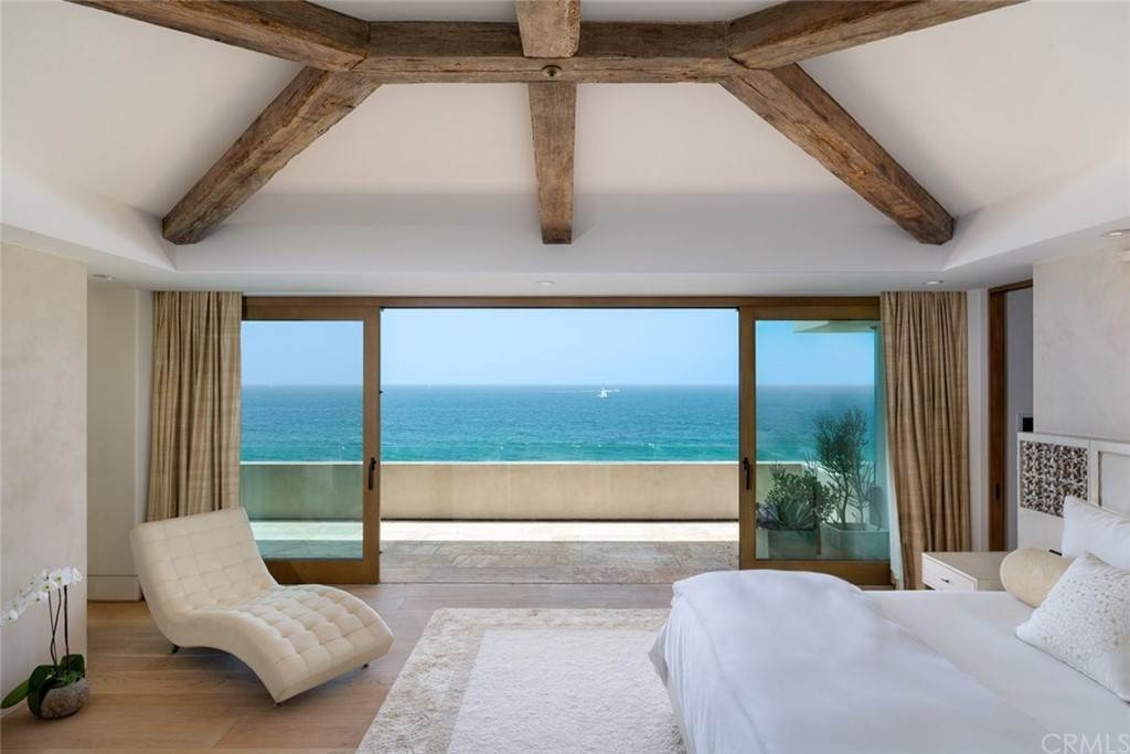 15. Residential for Sale at Strand Beach Drive Dana Point, California 92629 United States