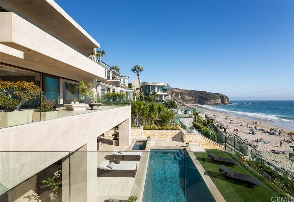 19. Residential for Sale at Strand Beach Drive Dana Point, California 92629 United States