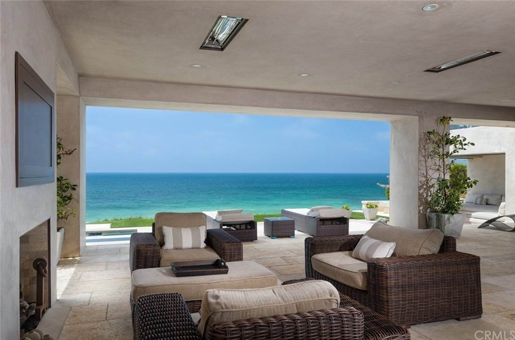 21. Residential for Sale at Strand Beach Drive Dana Point, California 92629 United States