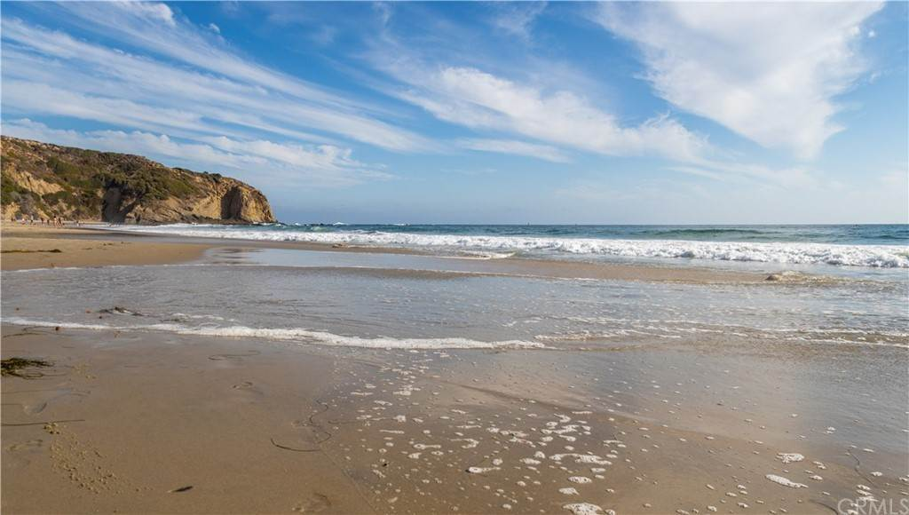 25. Residential for Sale at Strand Beach Drive Dana Point, California 92629 United States