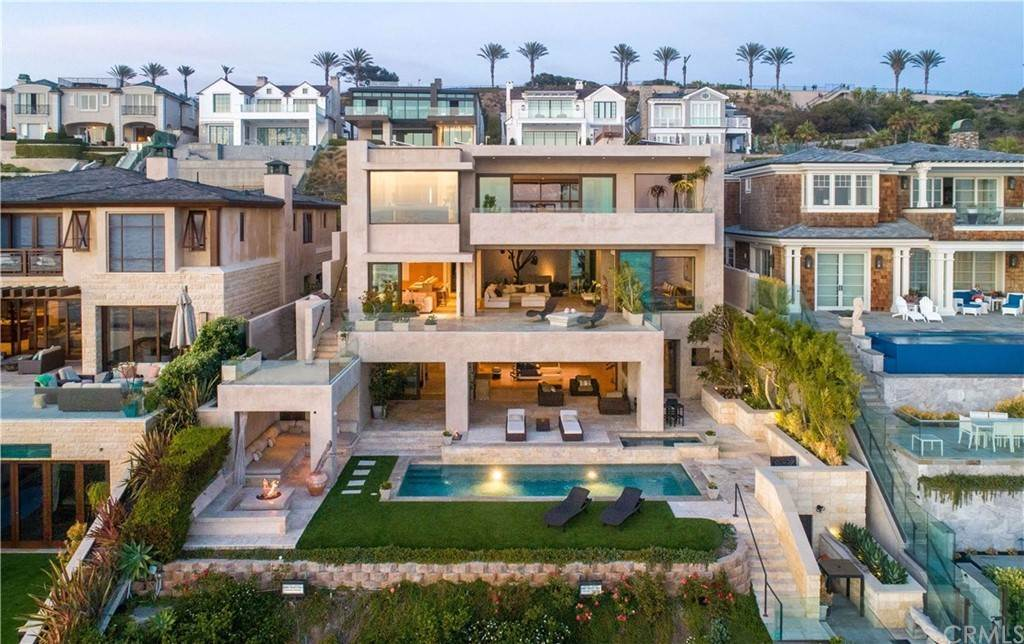 30. Residential for Sale at Strand Beach Drive Dana Point, California 92629 United States
