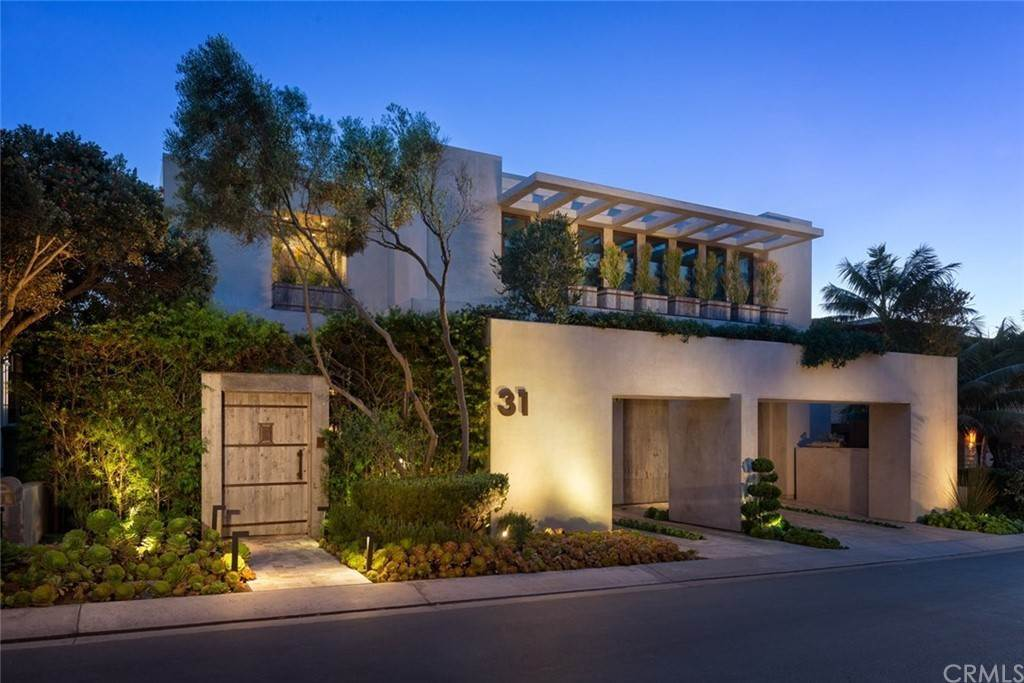 9. Residential for Sale at Strand Beach Drive Dana Point, California 92629 United States