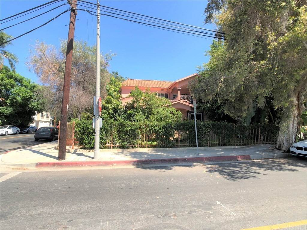 Residential for Sale at De Longpre Avenue Hollywood, California 90028 United States