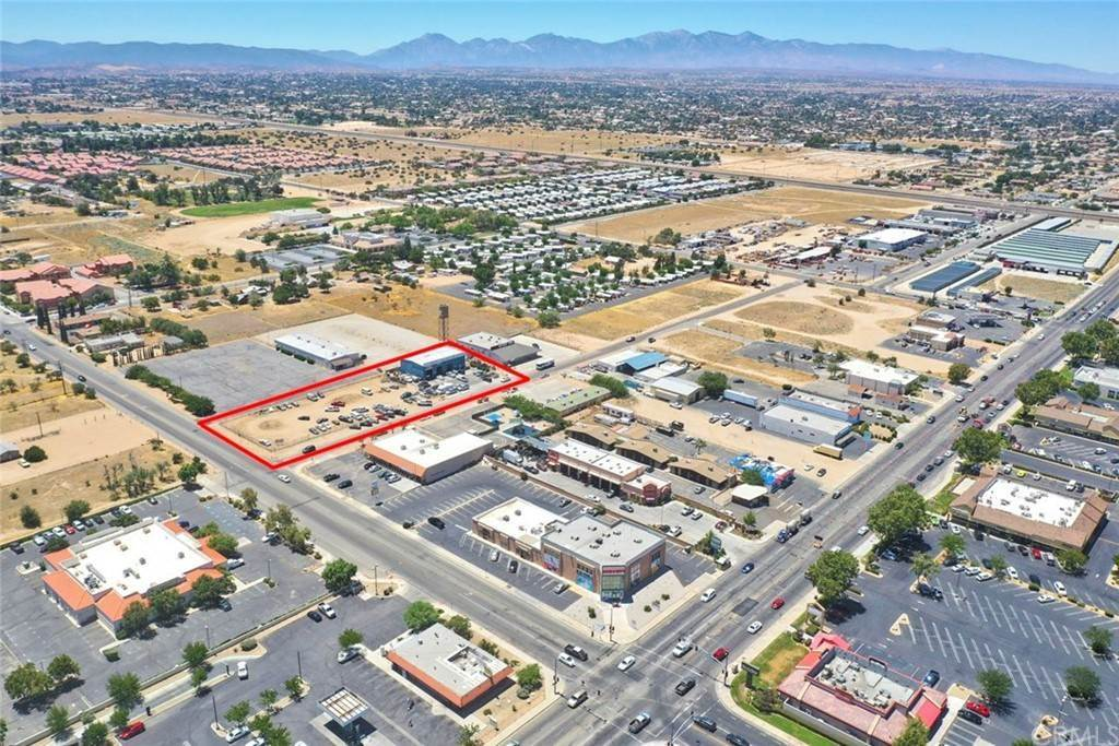 12. Commercial for Sale at Walnut Street Hesperia, California 92345 United States