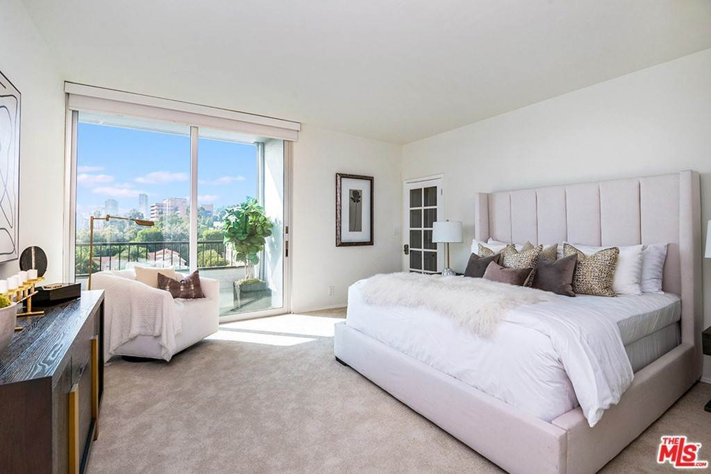 11. Residential Lease for Sale at Alta Loma Road West Hollywood, California 90069 United States