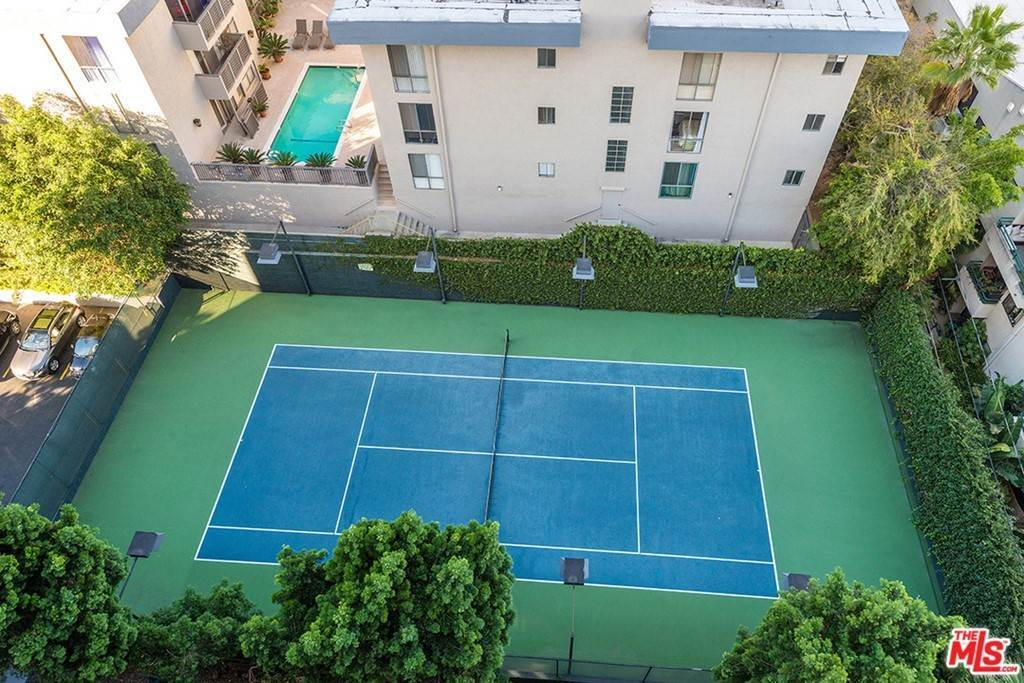 23. Residential Lease for Sale at Alta Loma Road West Hollywood, California 90069 United States