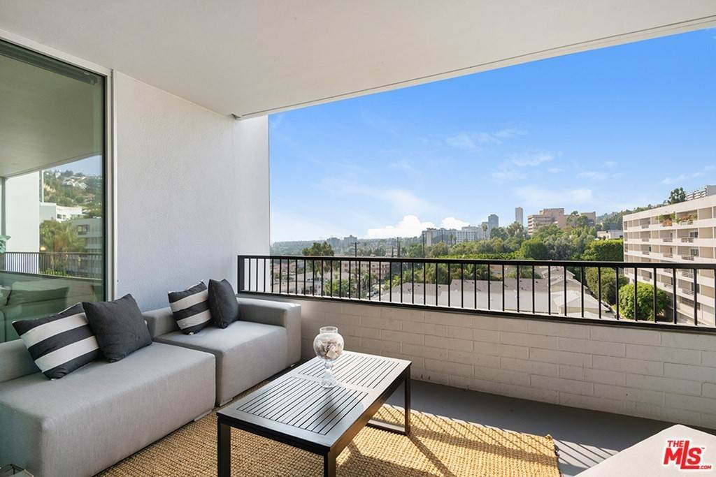 4. Residential Lease for Sale at Alta Loma Road West Hollywood, California 90069 United States