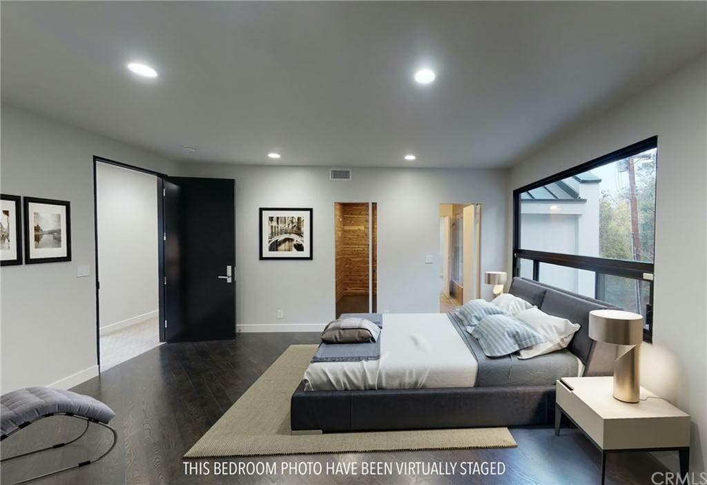 40. Residential for Sale at Garden Land Road Los Angeles, California 90049 United States