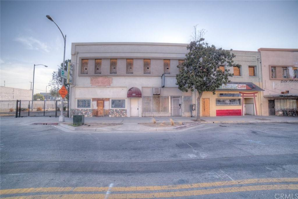 Commercial for Sale at F Street Fresno, California 93706 United States