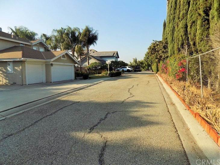 18. Residential for Sale at Imperial Highway La Mirada, California 90638 United States