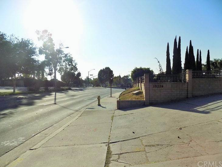 21. Residential for Sale at Imperial Highway La Mirada, California 90638 United States