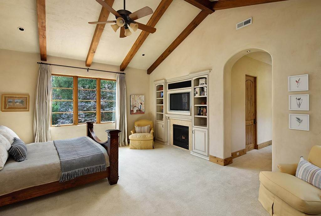 12. Residential for Sale at Berkeley Avenue Menlo Park, California 94025 United States