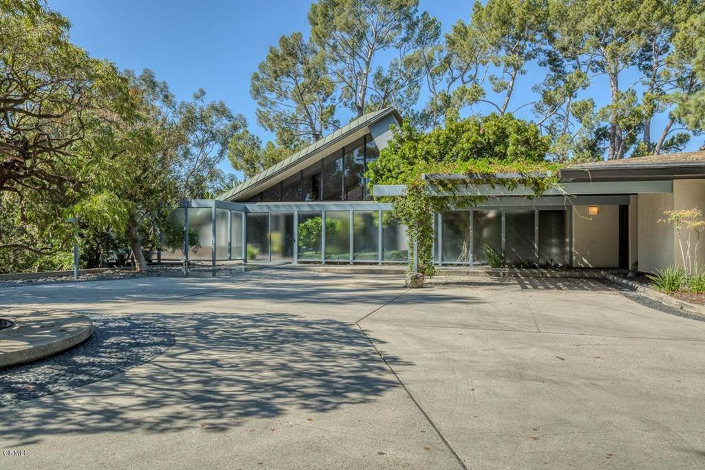 Residential for Sale at Paso Alto Road Pasadena, California 91105 United States