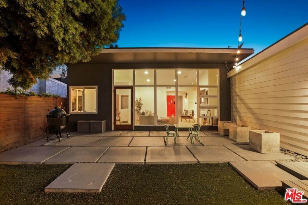 14. Residential for Sale at Tuller Avenue Los Angeles, California 90034 United States